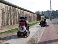 Mit dem Rolli auf den Spuren der Berliner Mauer (c) Ursula Aurien 600